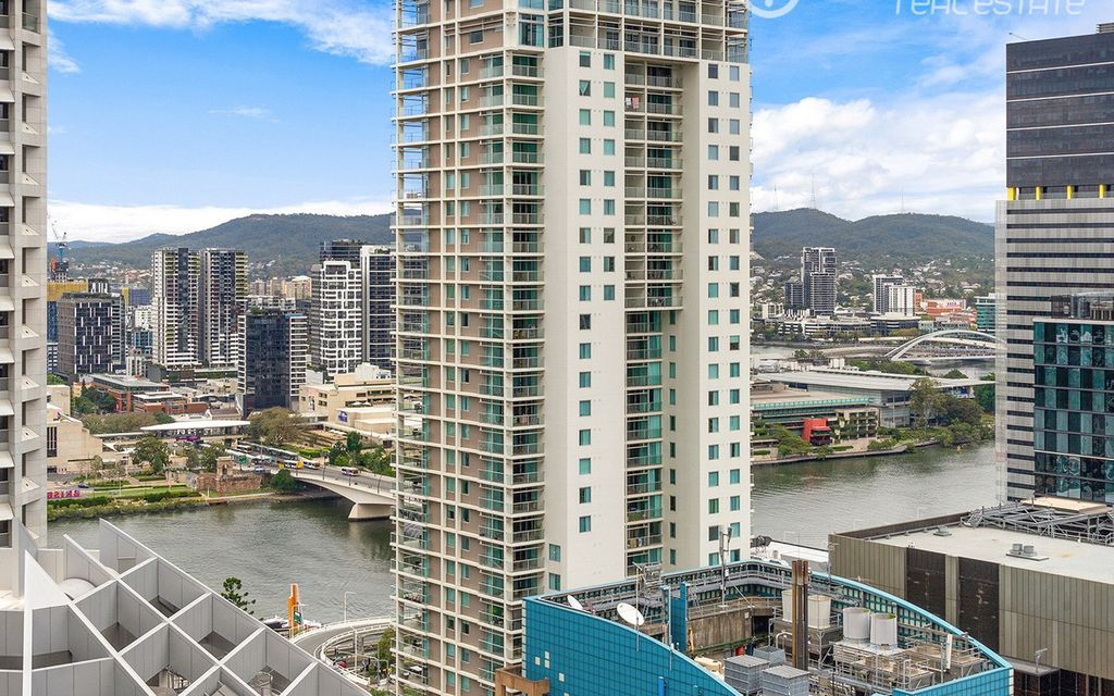 Executive One Bedroom Apartment with Study and River Views!