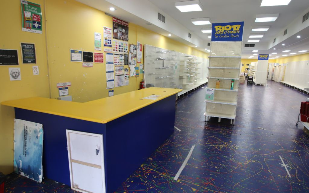 High Exposure Retail/Office/Consulting room Space in Crown Street