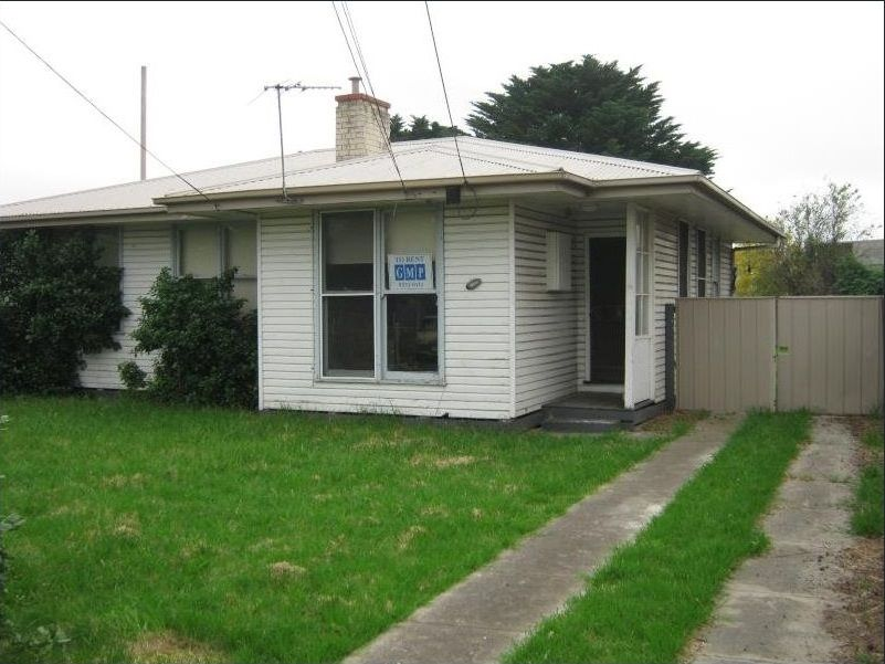 AFFORDABLE 3 BEDROOM HOUSE