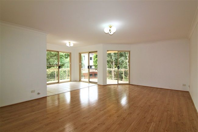 Spacious renovated 2 bedroom unit with floorboards