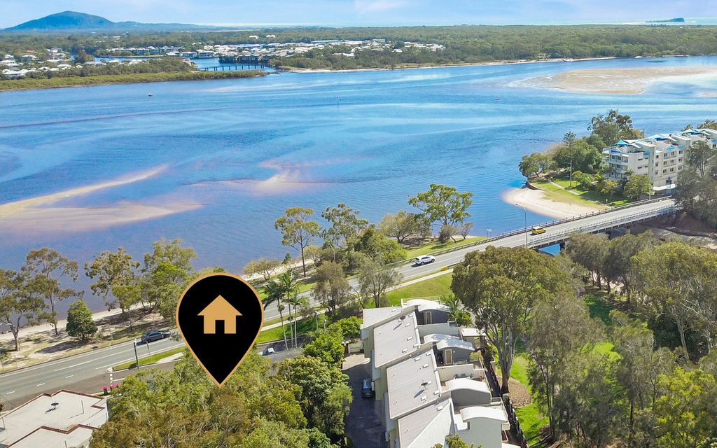 Holiday Let, water views and previously DA Approved site! What more do you want?