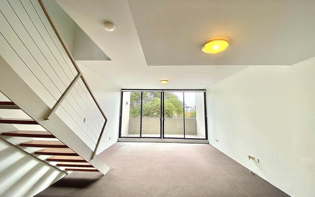 Split Level 2 Bedroom Park View Apartment