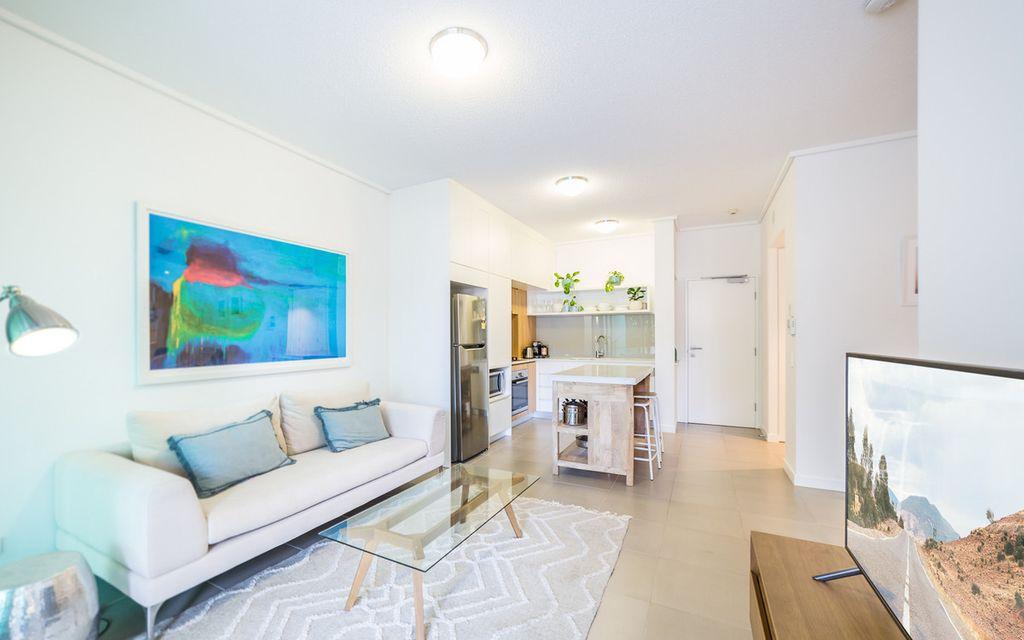 Spacious, Pet-Friendly Courtyard Apartment