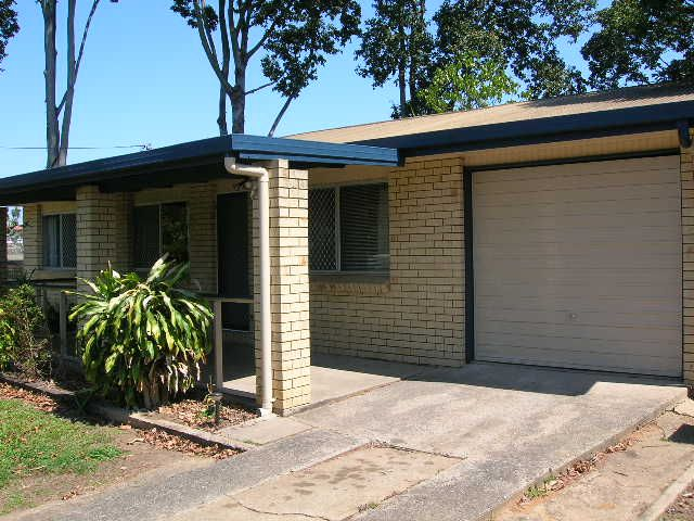 Great Family Home – Close To Town