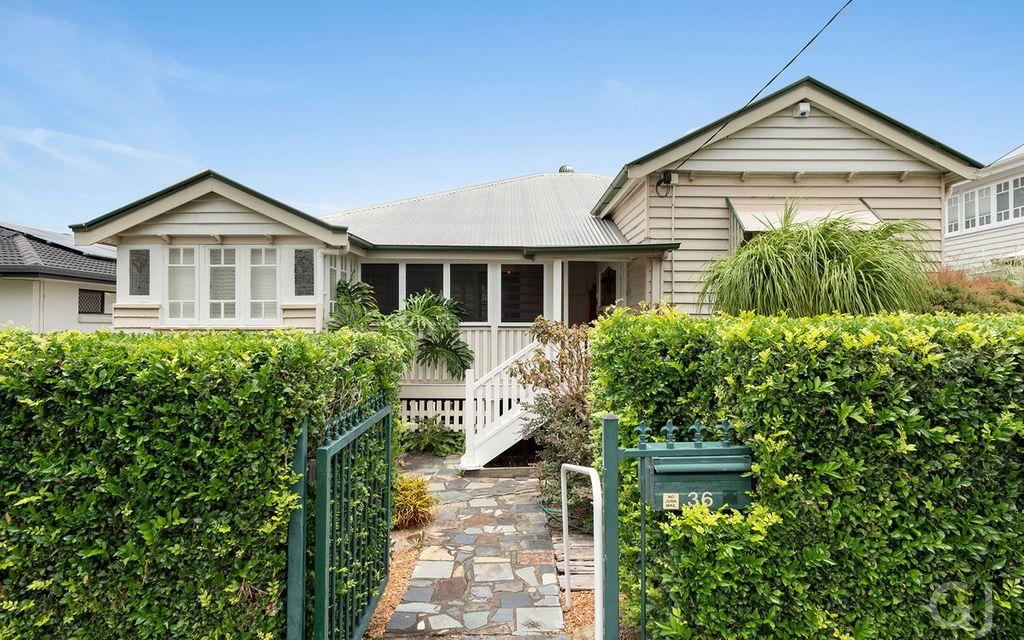 CLASSIC HOME – Traditional Queenslander in a Premium Location