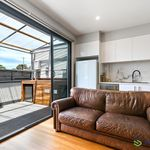 SOPHISTICATED TWO BEDROOM TOWNHOUSE IN PRIME LOCATION