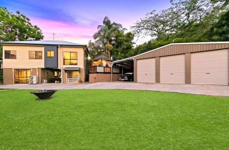 Gorgeous Queenslander offering dual occupancy