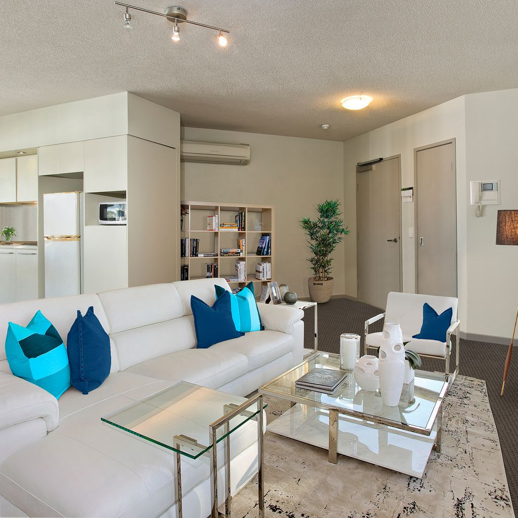 You'll love the Super-Duper Layout of this Super-Sized Apartment!