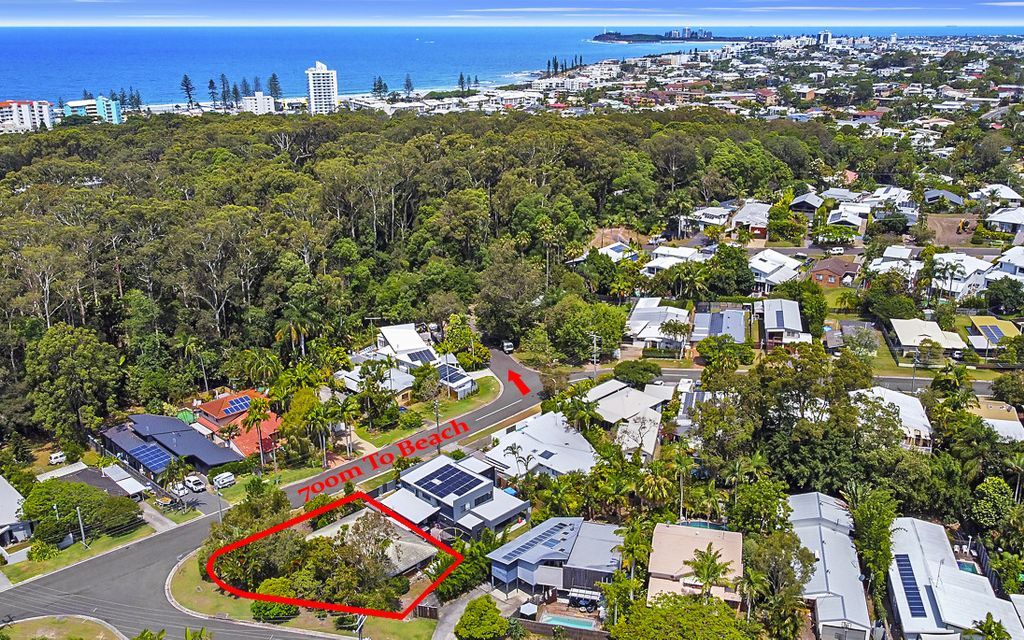 Beachside location on 622m2 private corner block