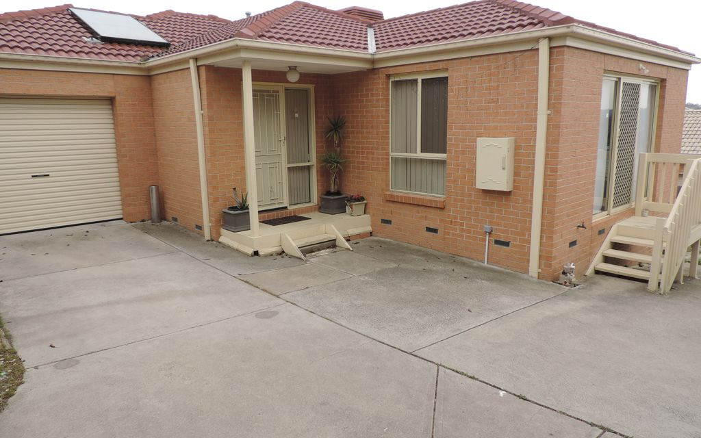 Comfortable 3 bedroom in Convenient Location- APPLICATIONS CLOSED- PROPERTY LEASED