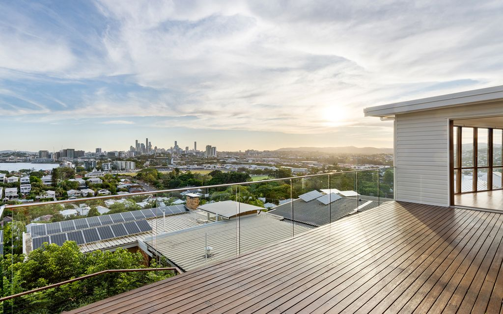 Exclusive once-in-a-lifetime Ascot Hill opportunity – prime position, enviable potential and enticing views