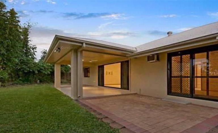 Stylishly presented home in a sought after area in Douglas