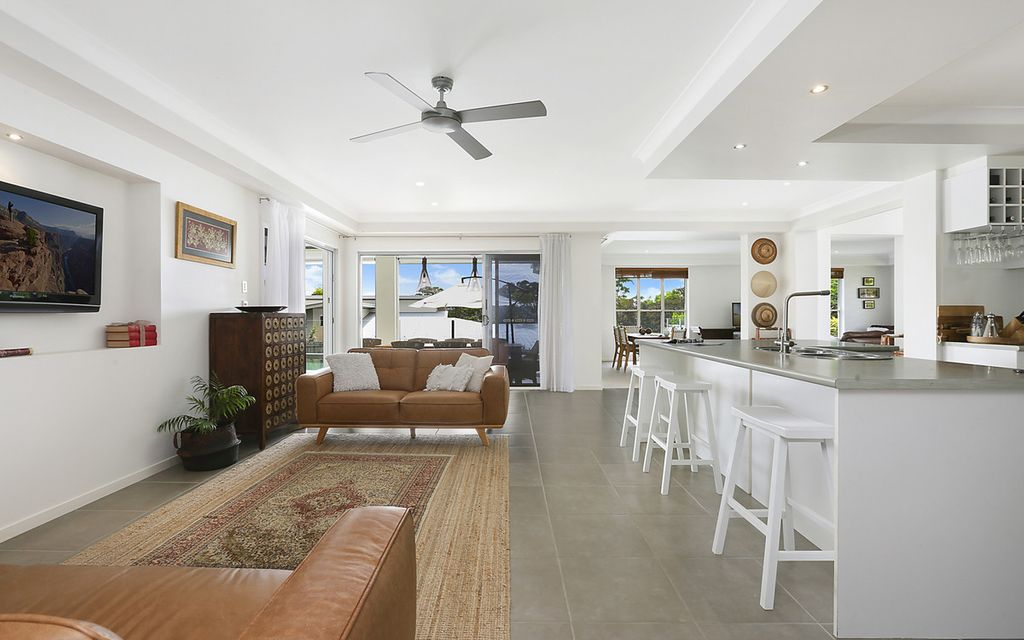 Stylish family entertainer on 2000m2 in prime location