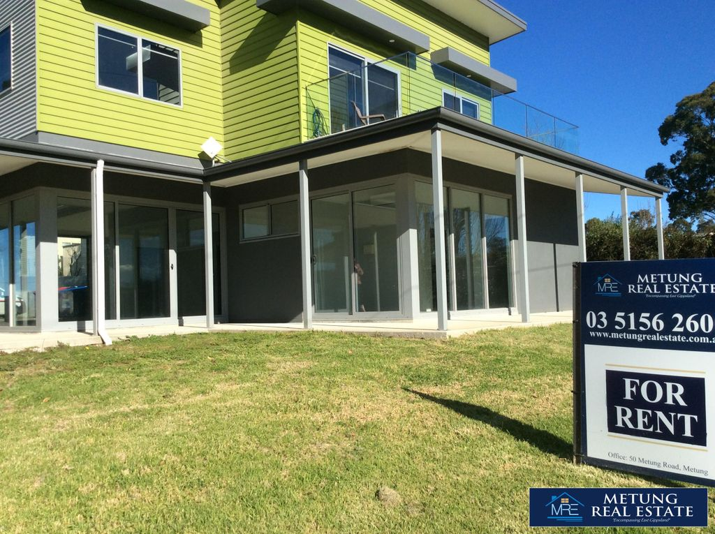 Newly Built Commercial Space – Available Now!