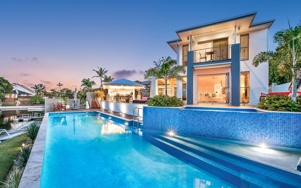 Sold by John Cole…NORTH POINT POSITION – ENTERTAINER'S HAVEN – 35M WIDE WATER FRONTAGE