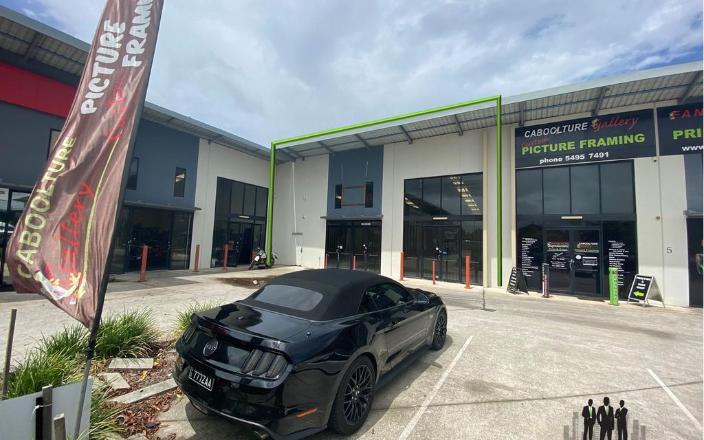 Air Conditioned Retail/Showroom Available Along Beerburrum Road