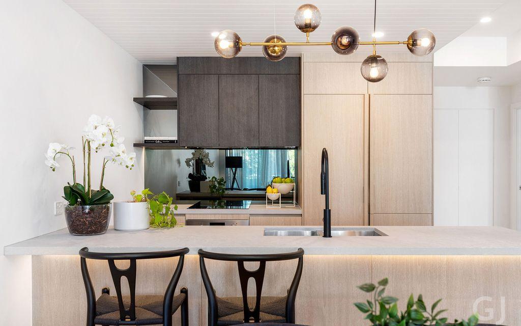 LUXURY APARTMENT – Single Level 3 Bedroom with Generous Balcony