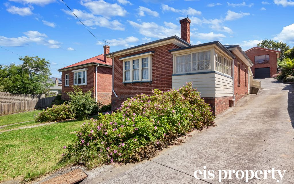 Central And Convenient North Hobart Home