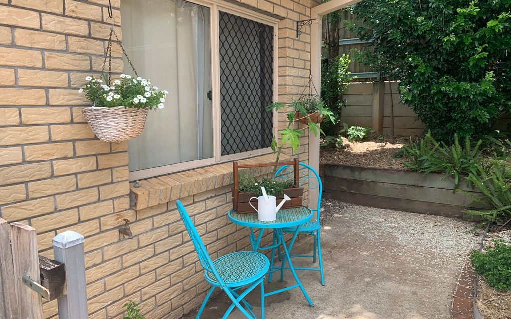 IMMACULATE TOWNHOUSE WITH LOW LOW BODY CORP FEES