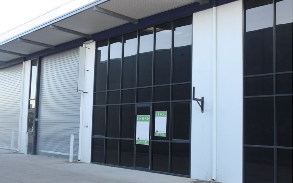 BIG, Clean, Industrial Unit Near Caboolture Airfield