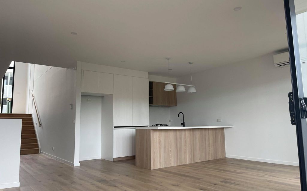 BRAND NEW TOWNHOUSE IN SUNSHINE NORTH