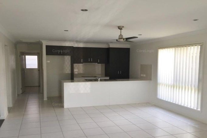 COOMERA LIVING – HANDY TO EVERYTHING
