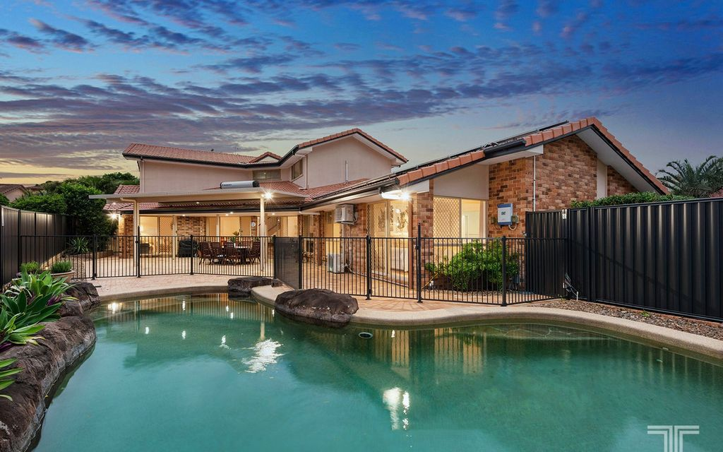 Exceptional Family Home in an Exclusive Carindale Pocket