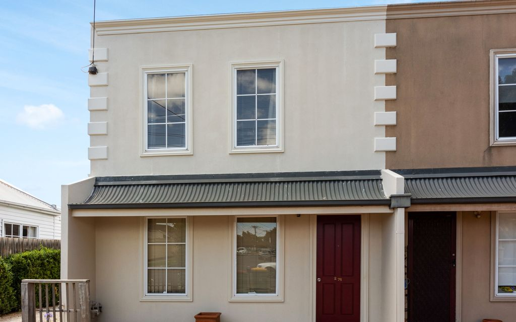 3 BEDROOM TOWNHOUSE RENOVATED & TAILORED TO YOUR HIGHEST STANDARDS