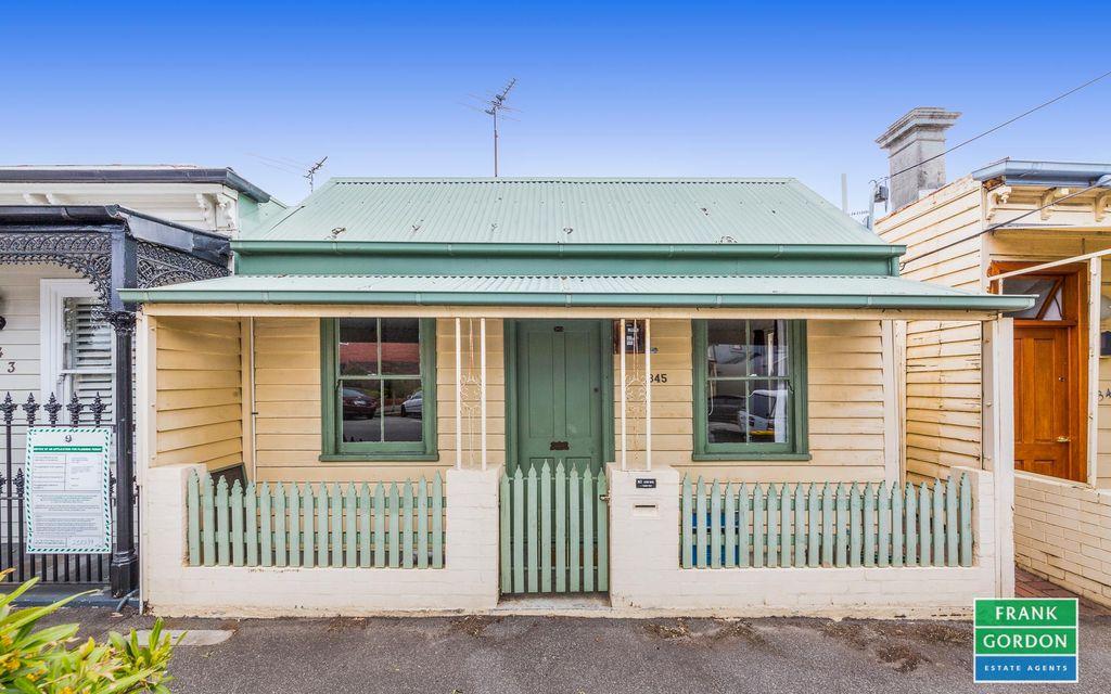 Port Melbourne One Bedroom + Study Charmer
