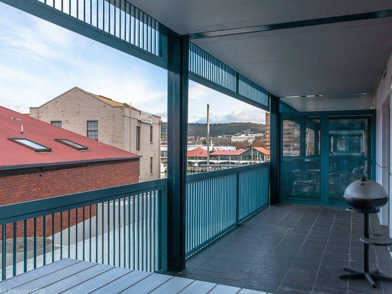 Designer Apartment in Waterfront Complex