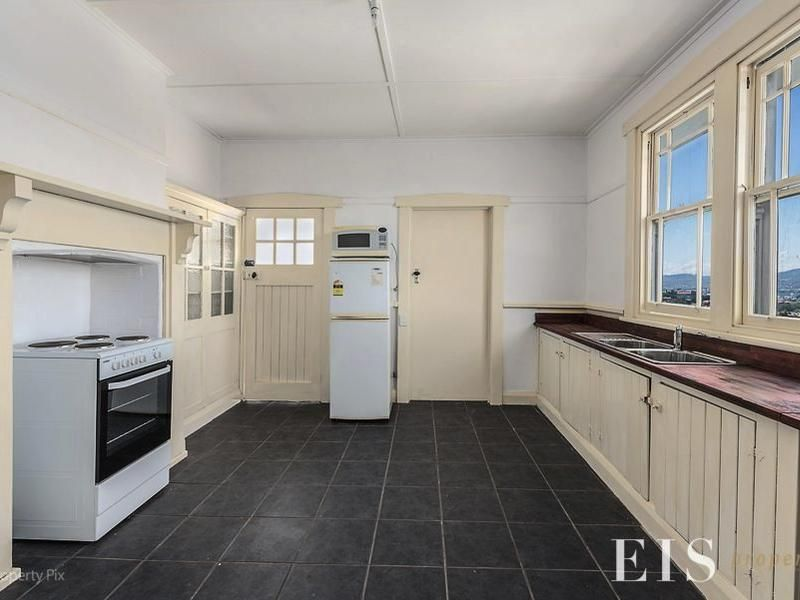 Three Bedroom Apartment In Dynnyrne