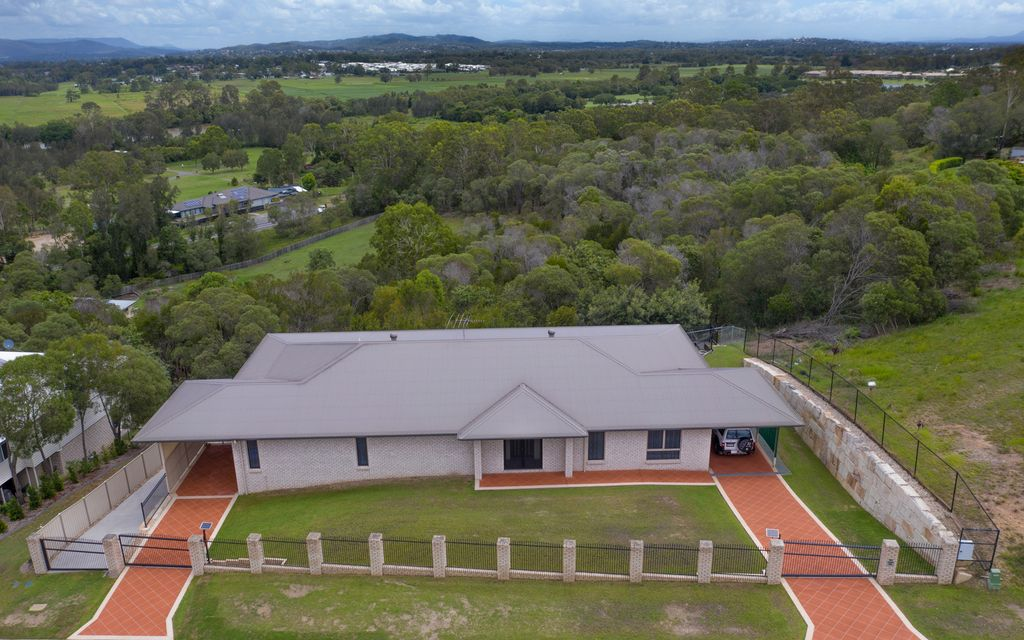DUAL LIVING ON ACREAGE WITH MAGICAL VIEWS