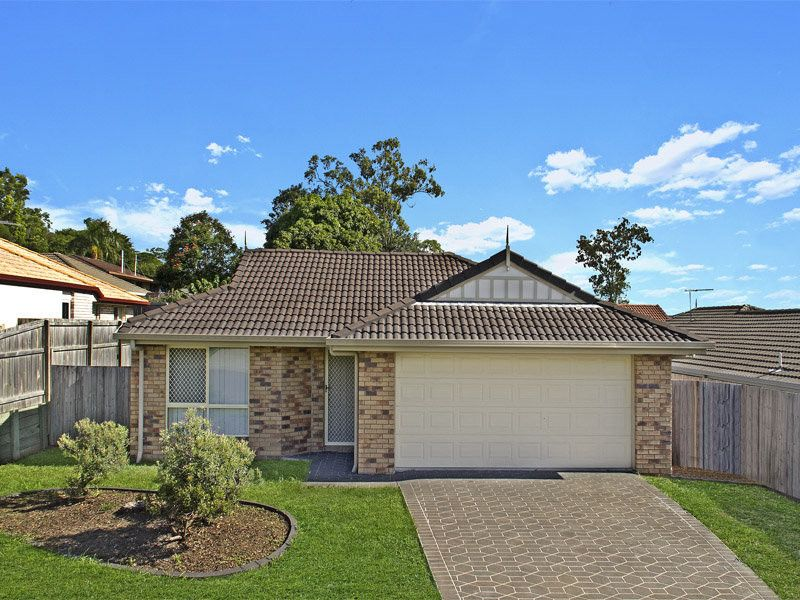 Attention!! Well priced family house for first home buyer and investor!!