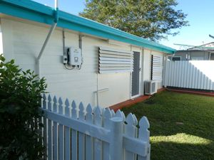Granny Flat Perfect for a Student! RENT REDUCTION!