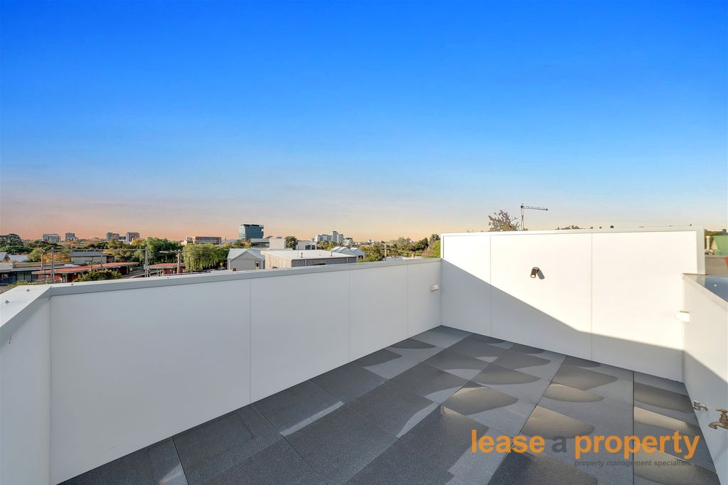 Uniquely and Architecturally Designed With Funk In Mind – with Rooftop