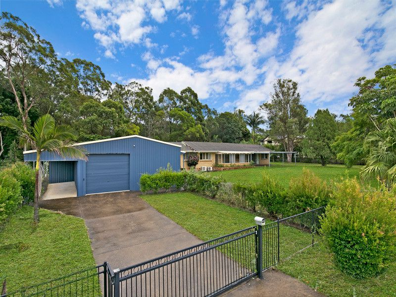 Hidden Gem in Calamvale – 3710m2 land with Development Potential + Large Workshop for Home Business