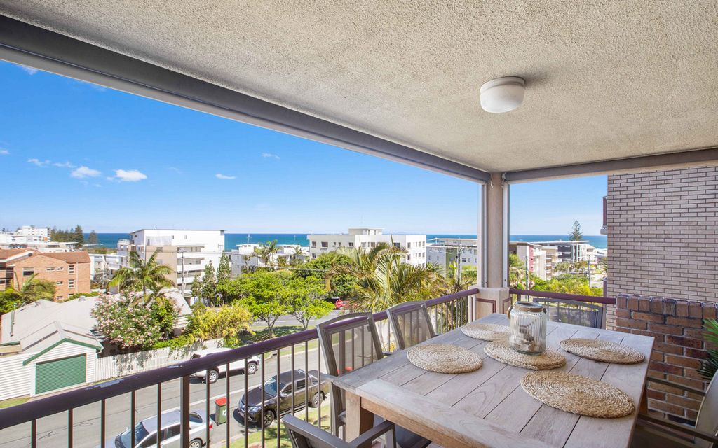 Beautifully Presented Three Bedroom Apartment- Ocean Views & New Kitchen