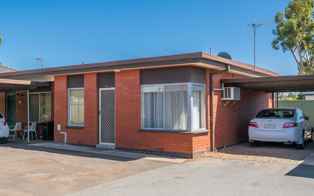 Neat Unit in Central Shepparton!