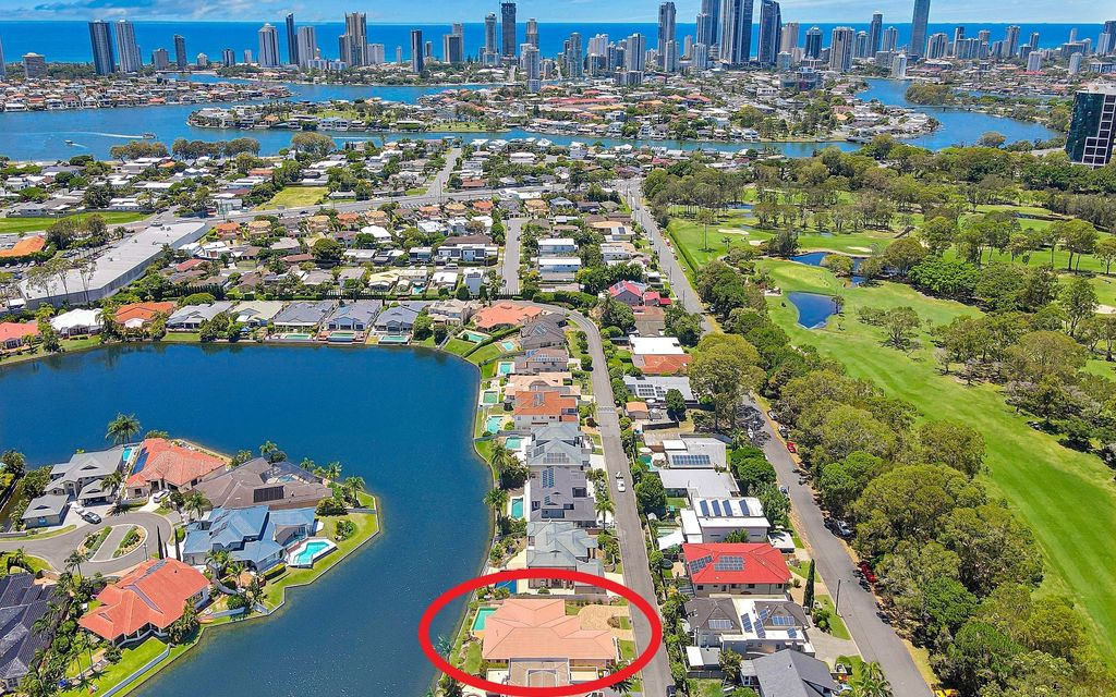 IMMACULATE ORIGINAL NORTH FACING WATERFRONT – TSS