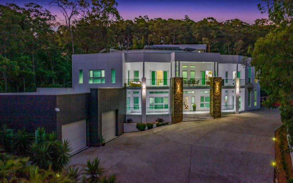 Rare Opportunity – Two Homes on the One Lot!