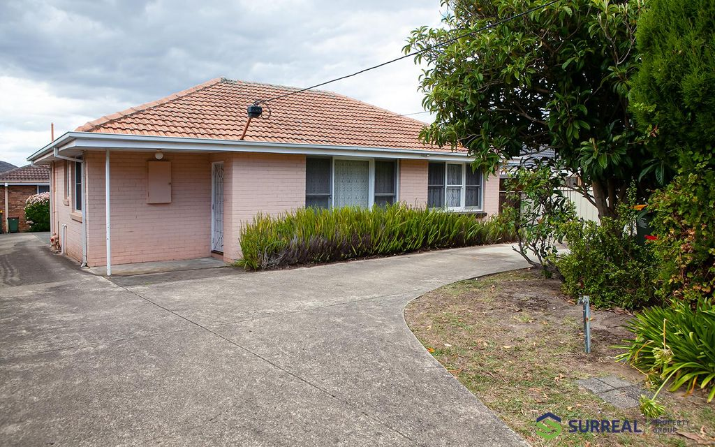 Neat and Tidy . Lawn moving included in rent. Available Now.