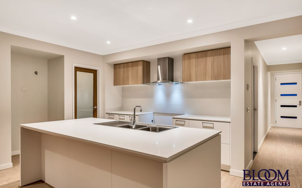 Brand new house close to public transport!