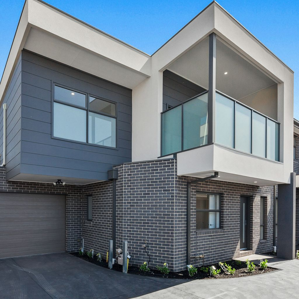 EXPERIENCE THE DESIGNER FLAIR IN THESE EXECUTIVE TOWNHOUSES