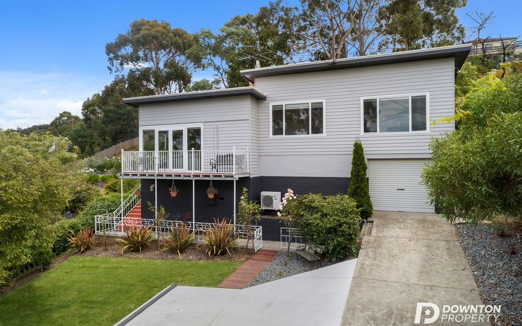 Impressive Home in Sought After Suburb!