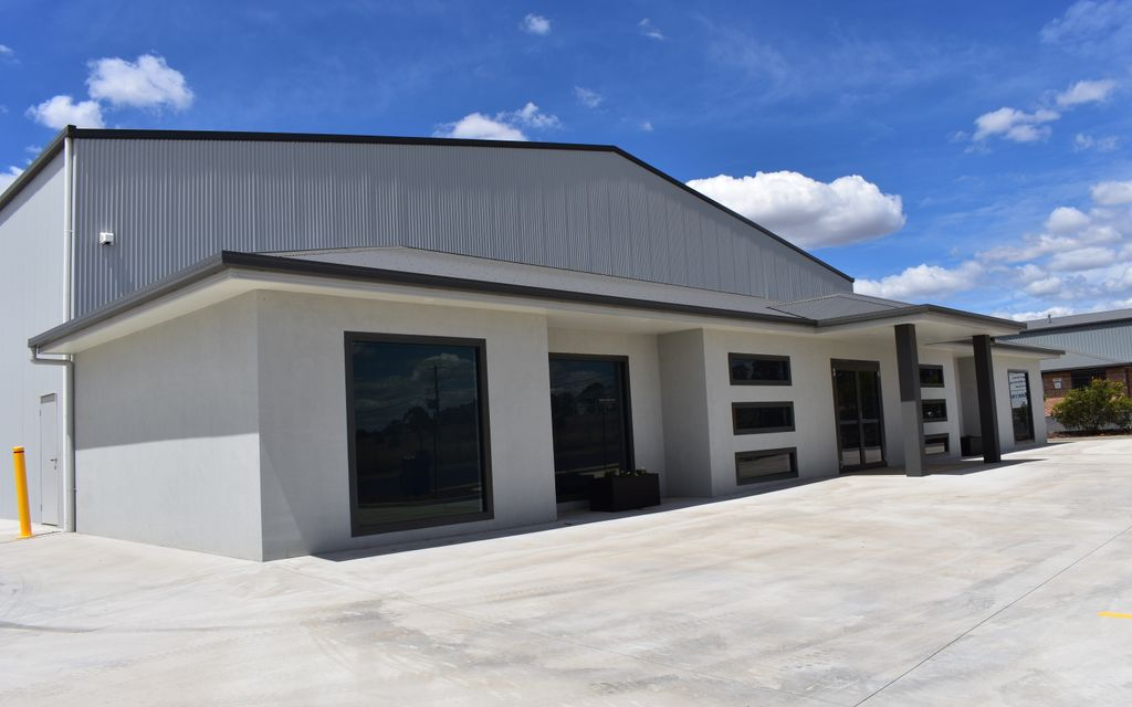 WAREHOUSE / FACTORY READY FOR LEASE