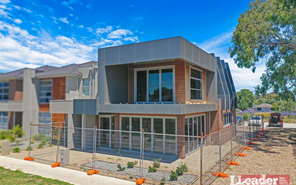 Brand New Medical Centre & 2 BR Apartment In The Heart Of Mernda