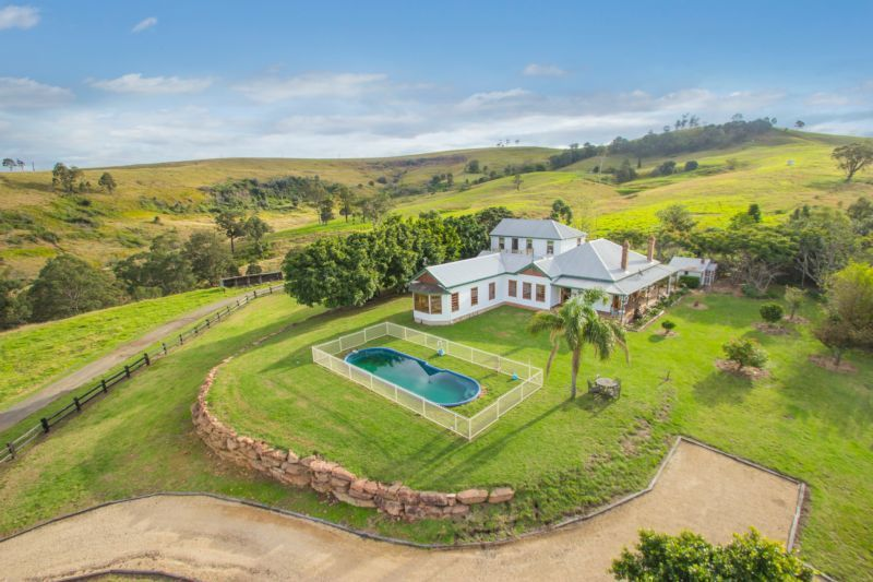 Stunningly beautiful and productive rural lifestyle property in dress circle location