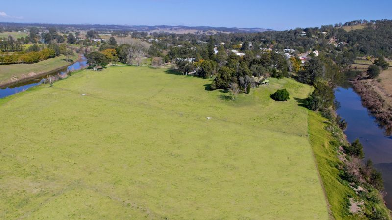 Magnificent rural lifestyle property in the heart of Paterson Village