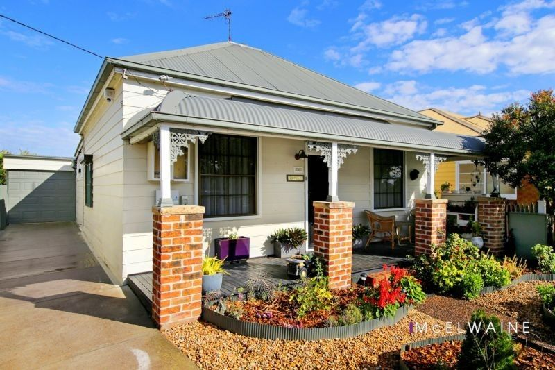 Renovated character cottage in top East Maitland position