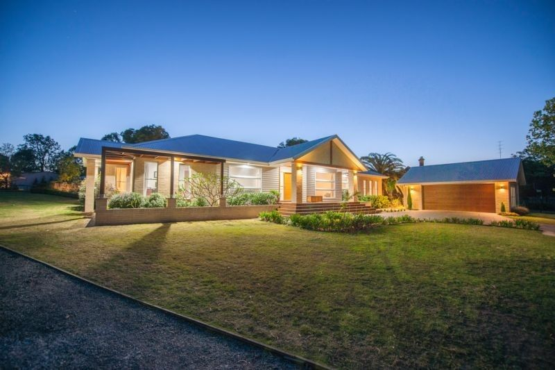 Large, luxury living in Largs retreat
